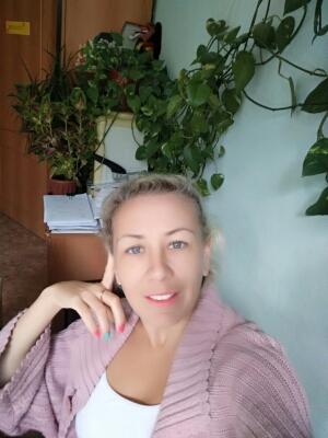 Заместитель заведующего по АХР: Евгения Владимировна Ландина